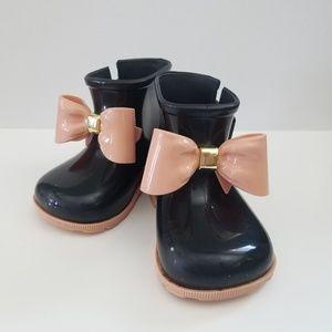 Mini Melissa bow boots